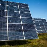 Napenergiát is kap majd a Bloomberg új adatközpontja